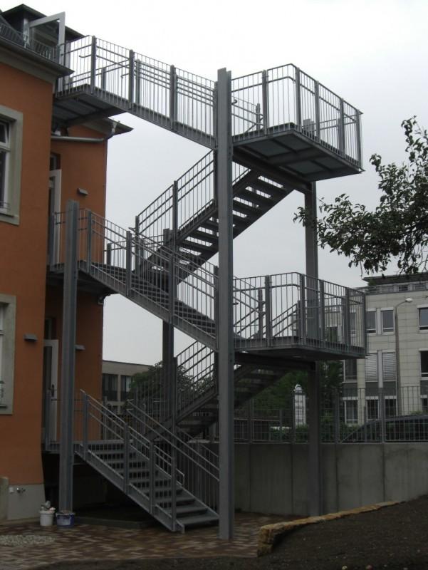 Fluchtreppe KiTa Klingenbergerstraße