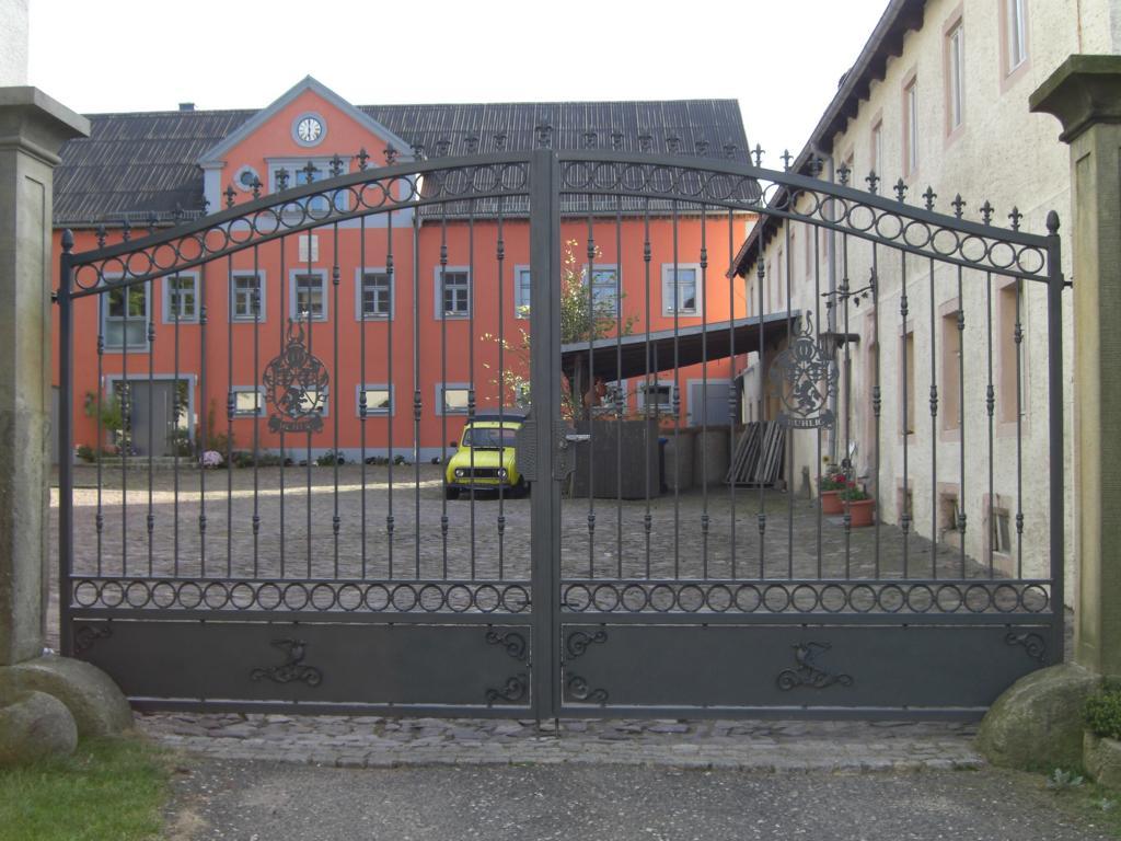 Toranlage an Vierseithof in Kaisitz
